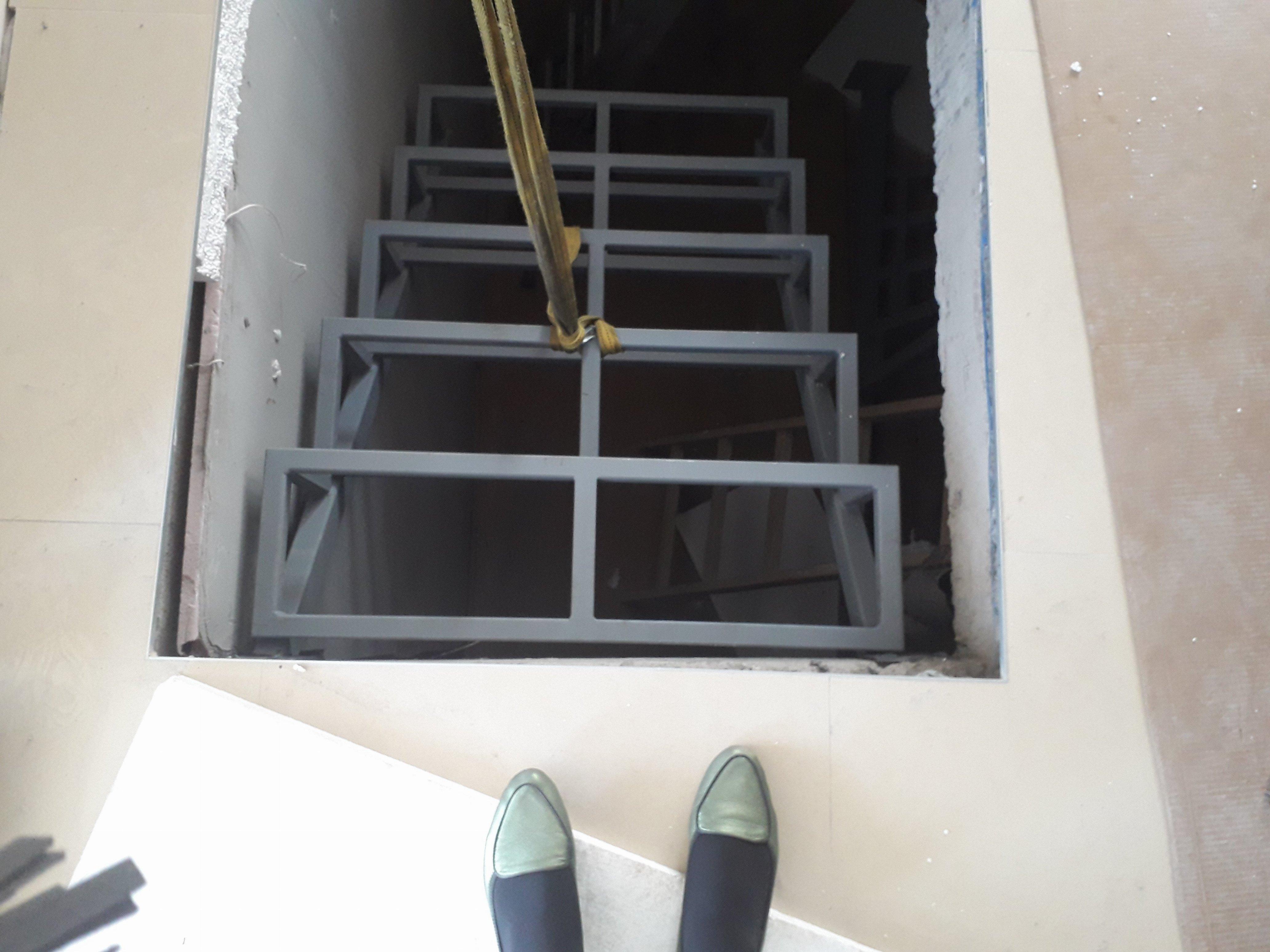 Metalne stepenice
